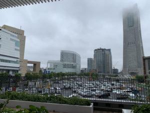 ランドマークタワー方面の眺望